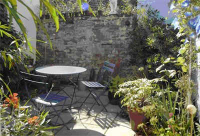tiny courtyard ideas with shape habit texture and colour to - Courtyard Garden Ideas Uk
