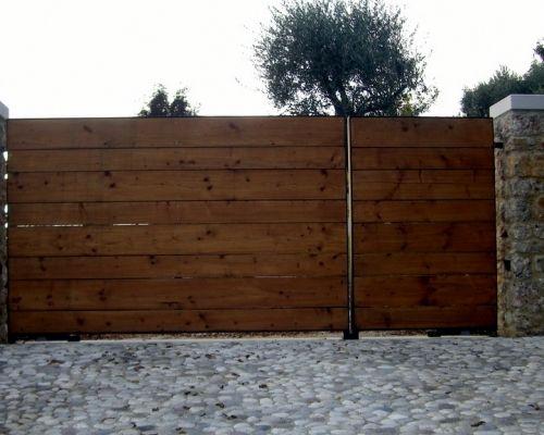 Cancelli in ferro e legno signori mirko arredamento for Cancelletti per cani da esterno