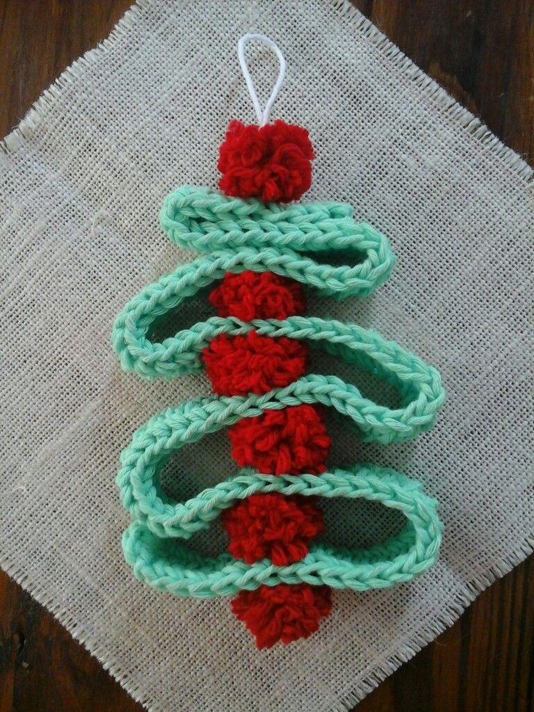 Arbol De Navidad Tejido A Crochet Y Pompones Tejidos A Crochet Pompones Croche