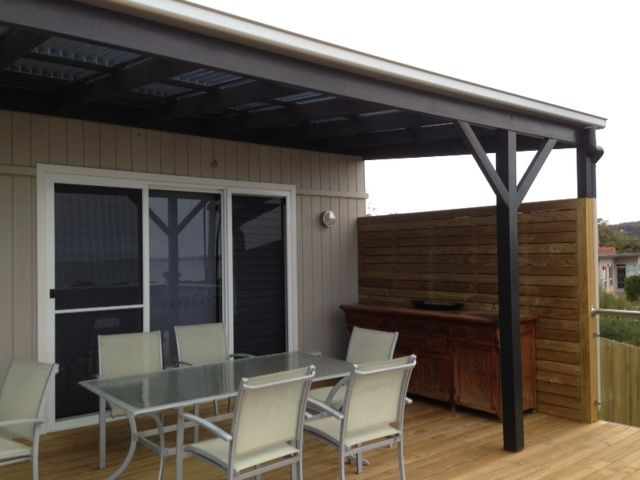 Cover Over Deck And A Wind Break Outdoorsy Stuff Wind