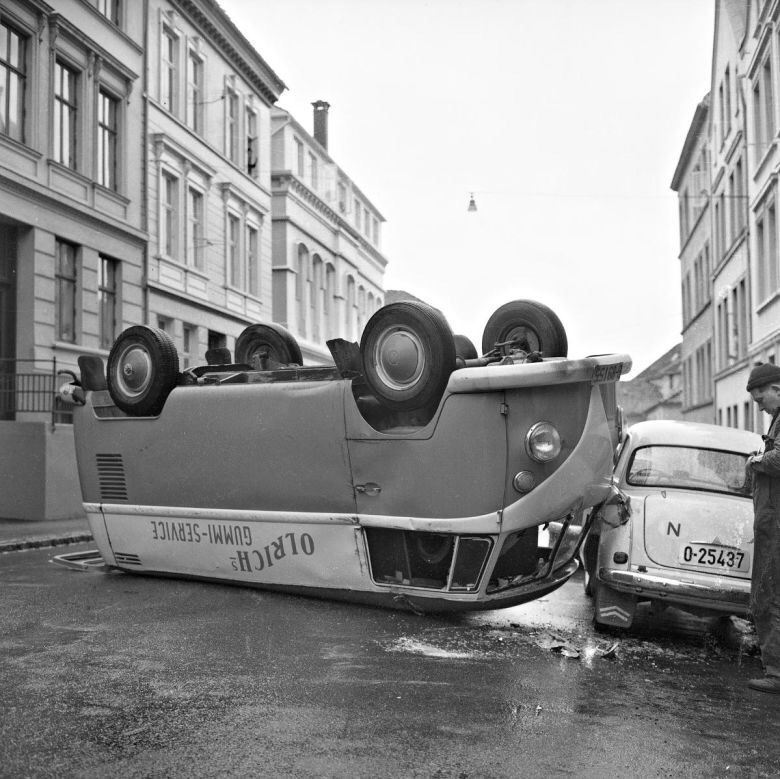 Accident In Bergen Norway With Images Vintage Vw Van Vintage