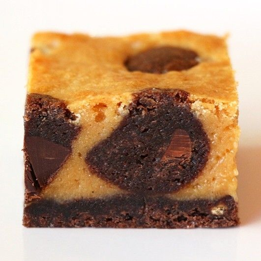 נעמה גאון: בראוניז שוקולד לבן מקורמל ובצק עוגיות דאבל שוקולד צ'יפ