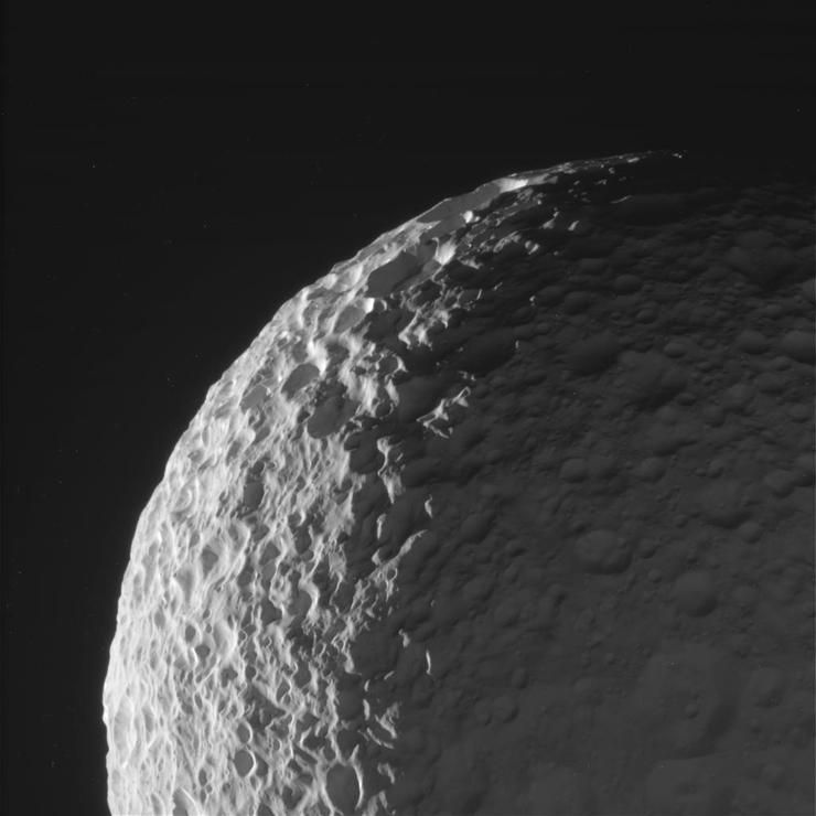Breathtaking Pics From Cassini S Journey To Saturn Saturns Moons