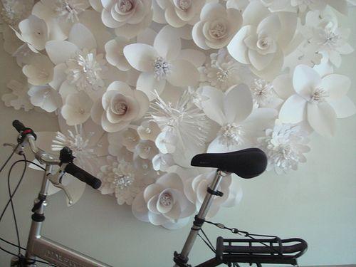 Бумажные цветы своими руками декор стены
