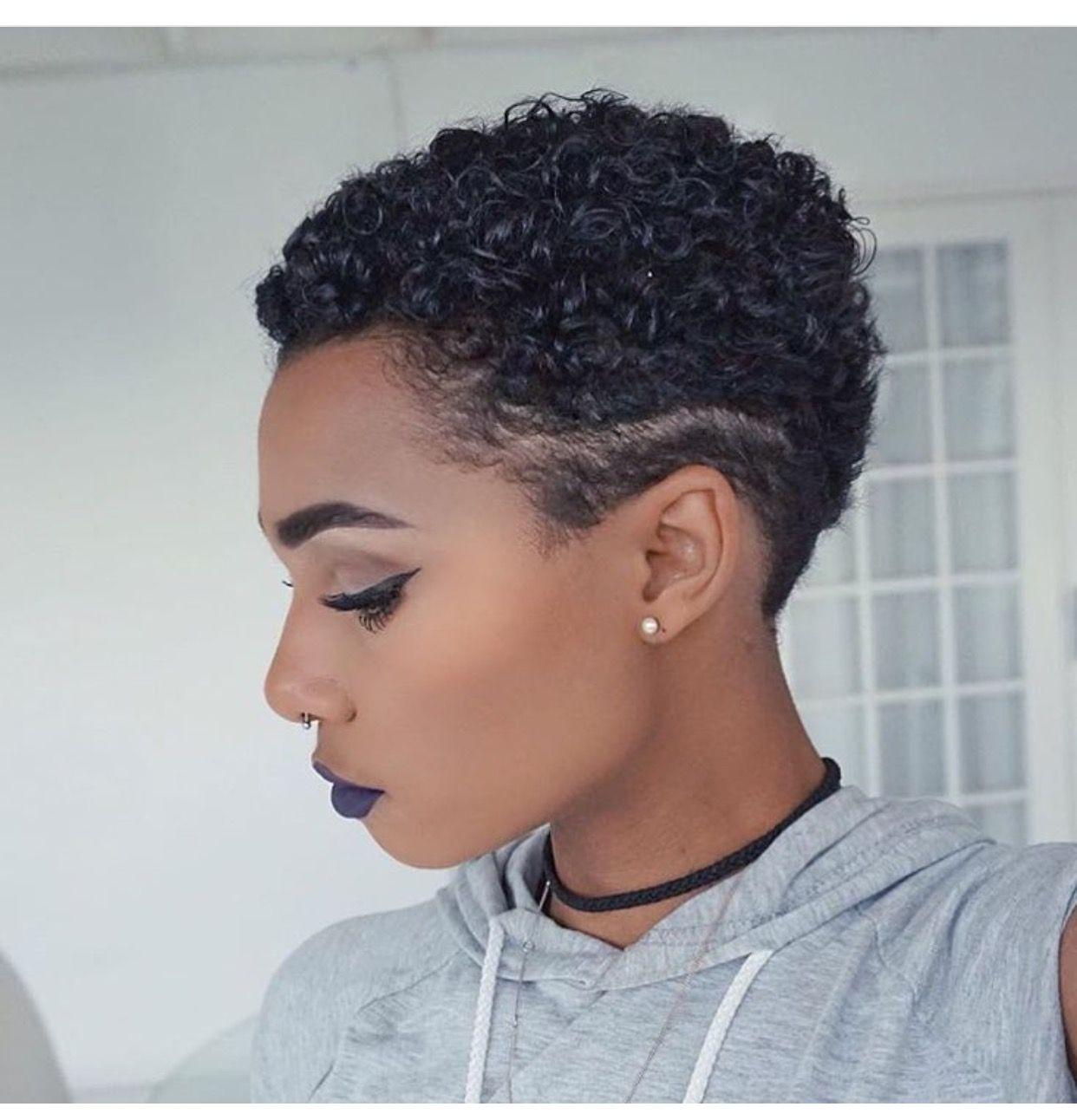 pingl par kerline briceus sur natural hair styles pinterest cheveux courts cheveux courts. Black Bedroom Furniture Sets. Home Design Ideas