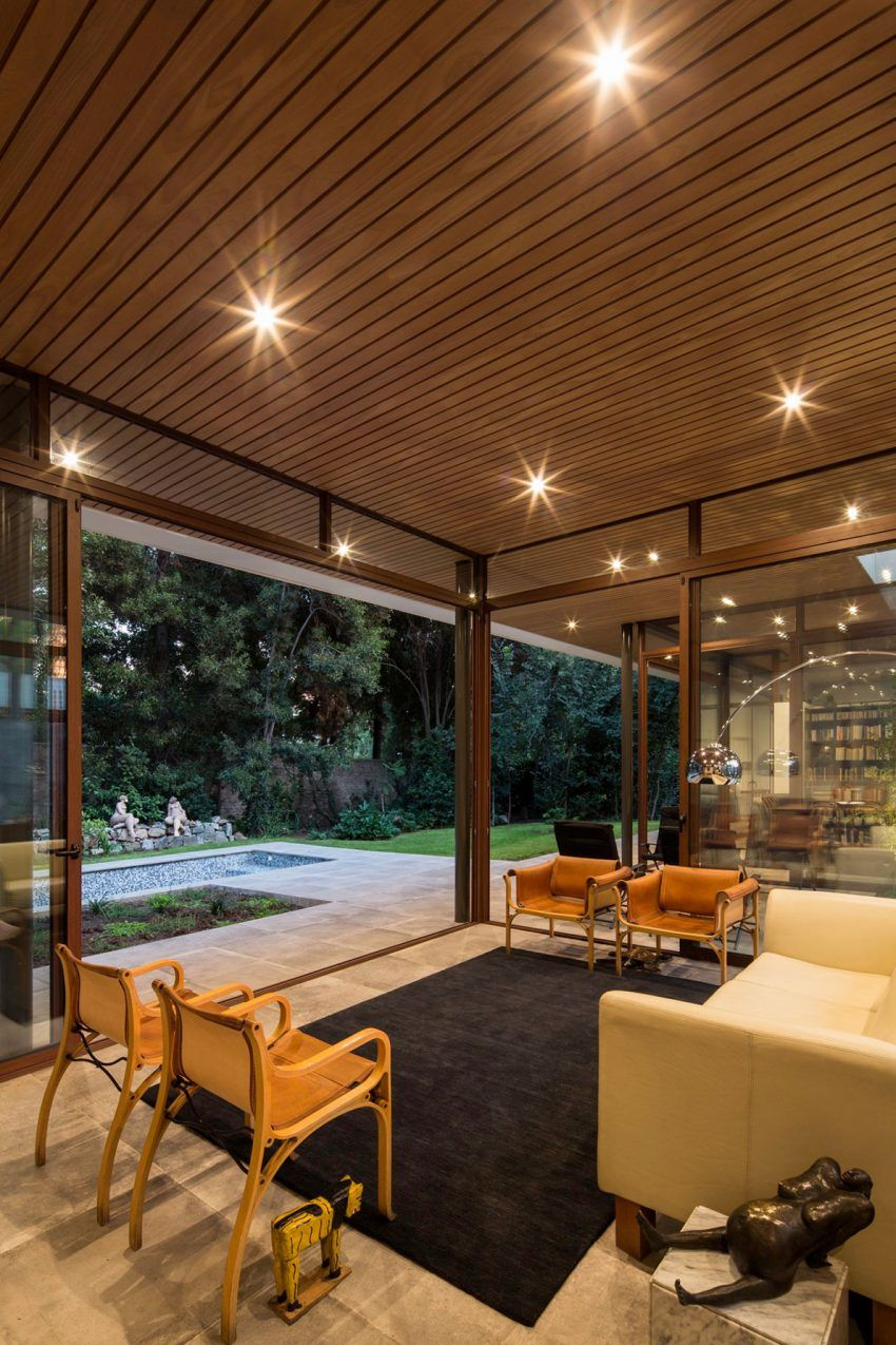 Iglesis Arquitectos Design a Home Surrounded by Trees in Las Condes ...