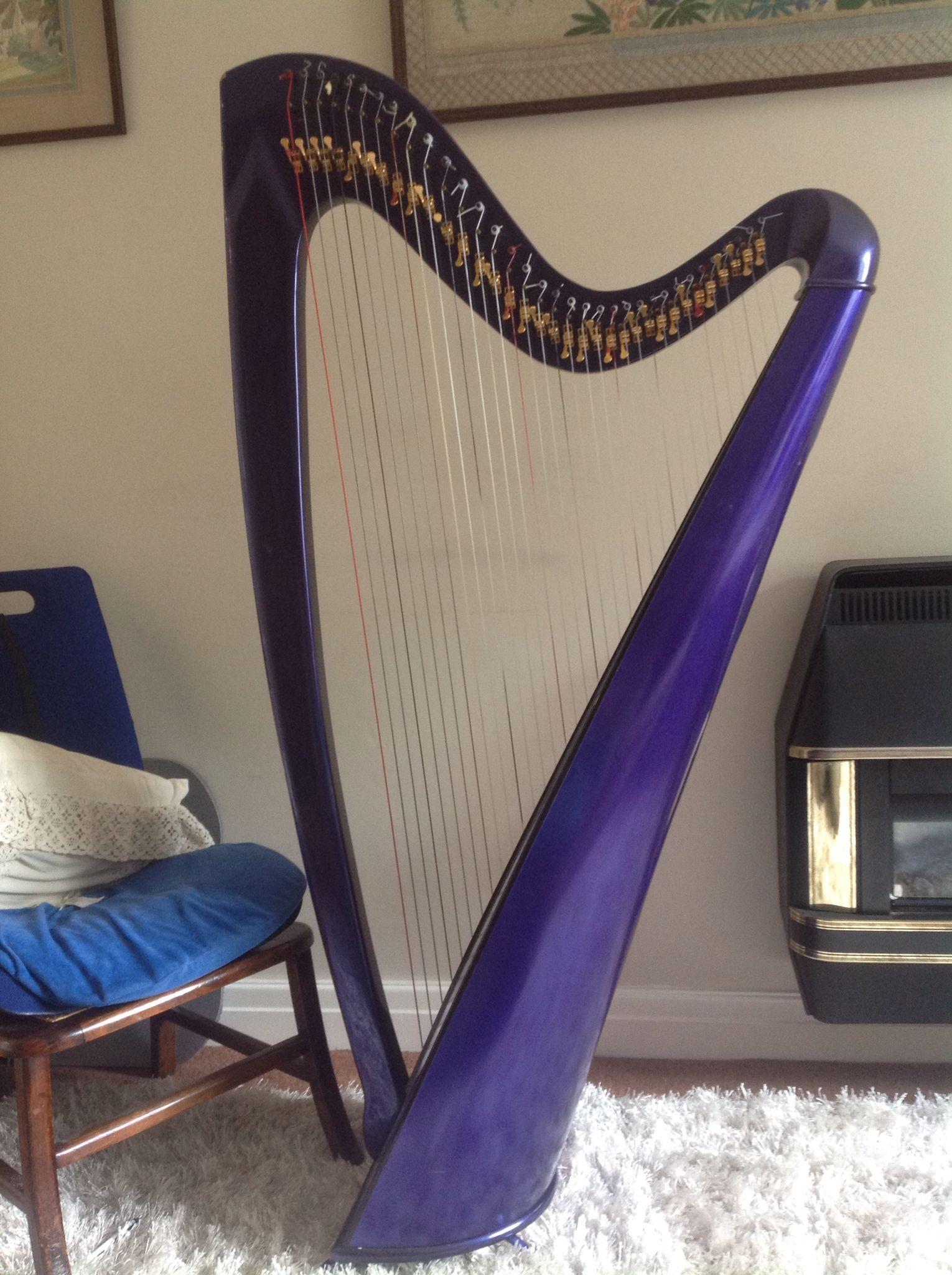 carbon fibre travel harp made by davy stewart new zealand musical instruments pinterest. Black Bedroom Furniture Sets. Home Design Ideas