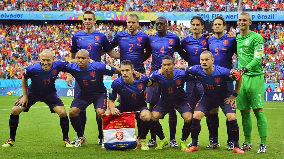 Het Nederlands elftal voor de wedstrijd tegen Australië (Foto: ANP)