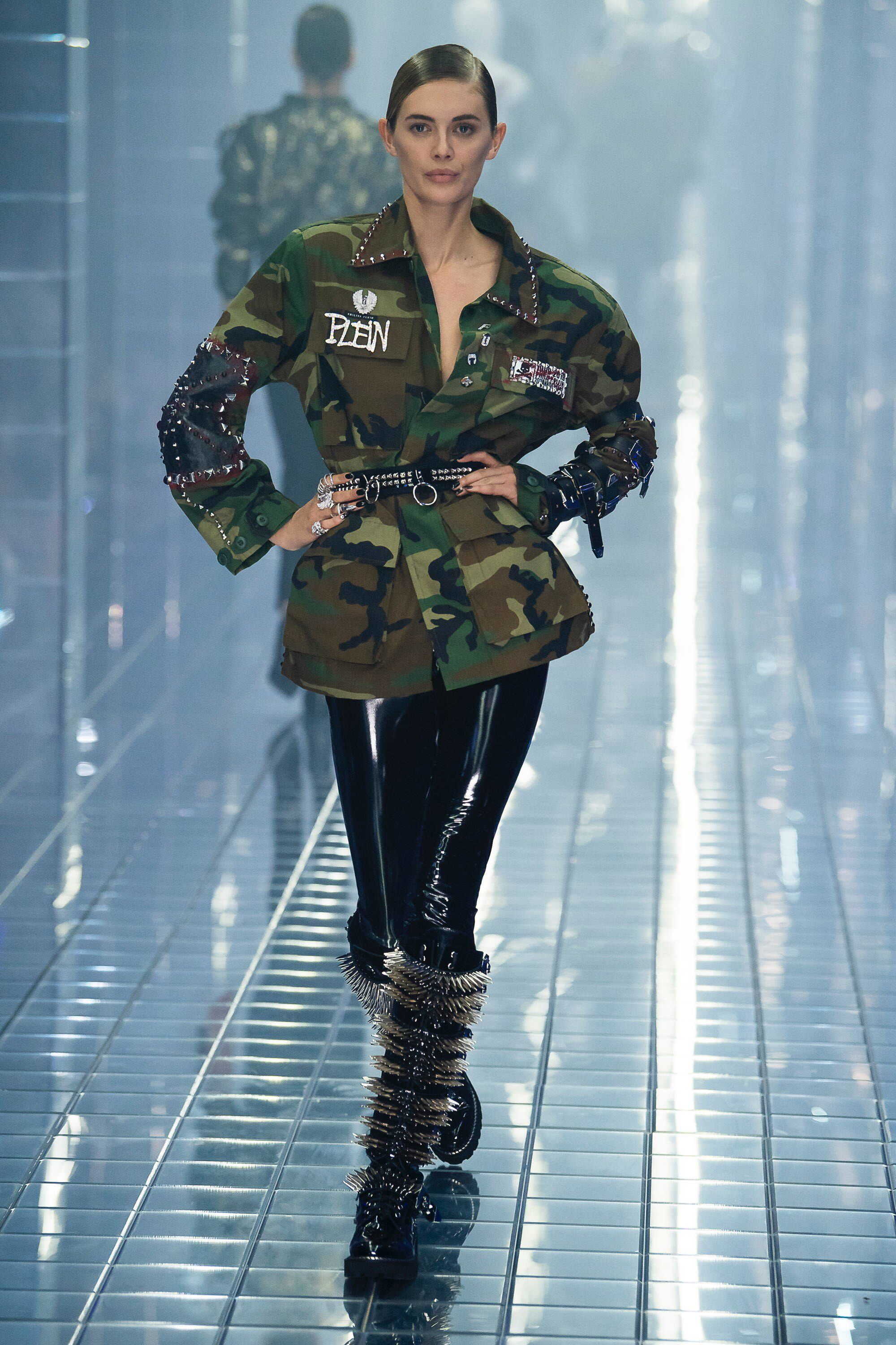 cc85a29932 Philipp Plein Spring 2019 Ready-to-Wear Fashion Show Collection: See the  complete Philipp Plein Spring 2019 Ready-to-Wear collection. Look 36