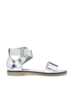 6915a18ab Senso Faye V Silver Chrome Flat Sandals