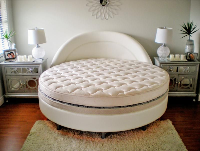 premium selection 91f91 b1922 Round Shaped King Size Bed | Bedroom | Mattress, Custom ...