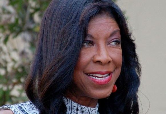 """Singer Natalie Cole has died at the age of 65. The cause was congestive heart failure. A family statement said:  """"It is with heavy hearts that we bring to you all the news of our Mother and sister's passing. Natalie fought a fierce, courageous battle, dying how she lived … with dignity, strength and honor."""""""
