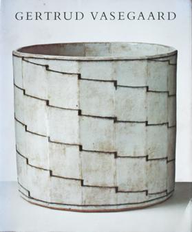 Litteratur Boligkultur Dk Contemporary Ceramics Ceramic Decor Ceramic Design