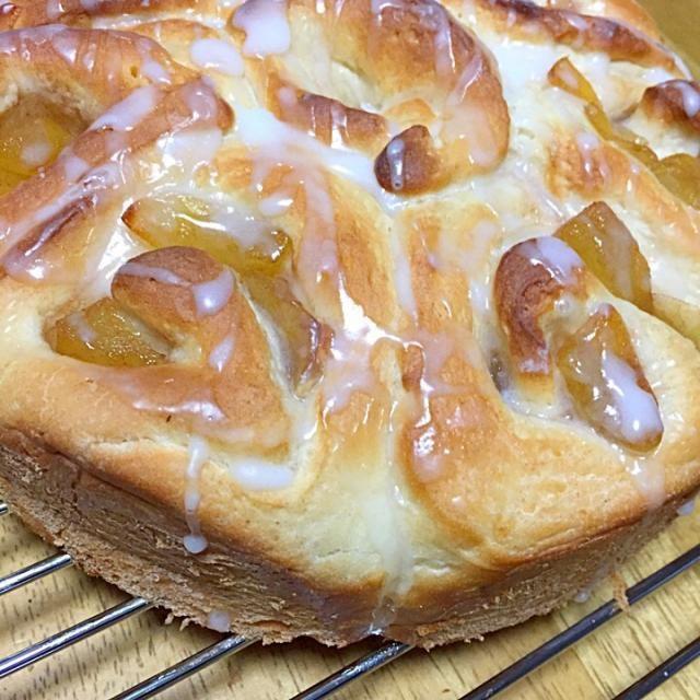 りんごとシナモンを使って お菓子を作りたかったので アップルシナモンロールに辿り着きました! - 8件のもぐもぐ - アップルシナモンロール焼きました! by あつさん