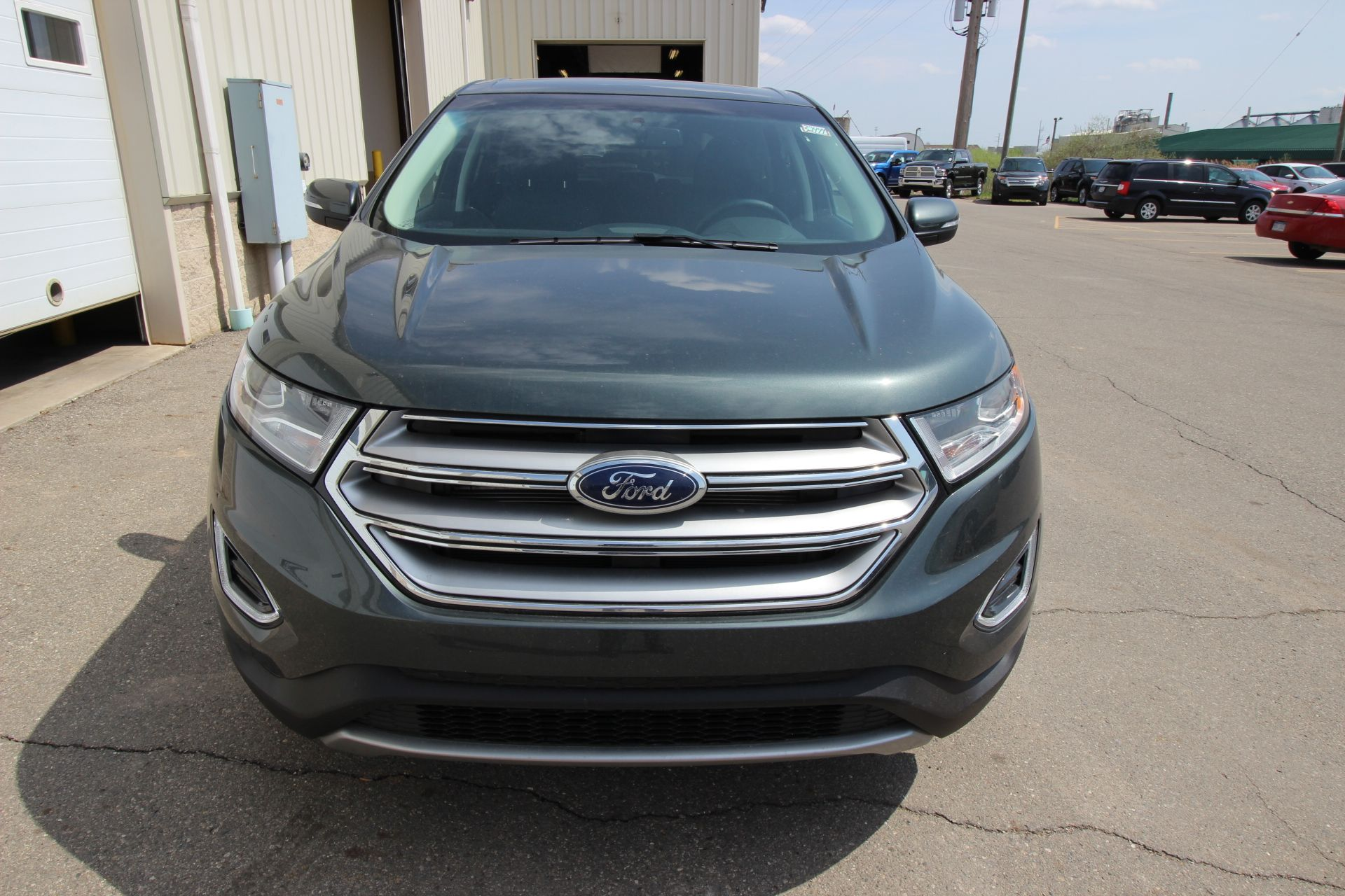 2015 ford edge with a guard exterior color