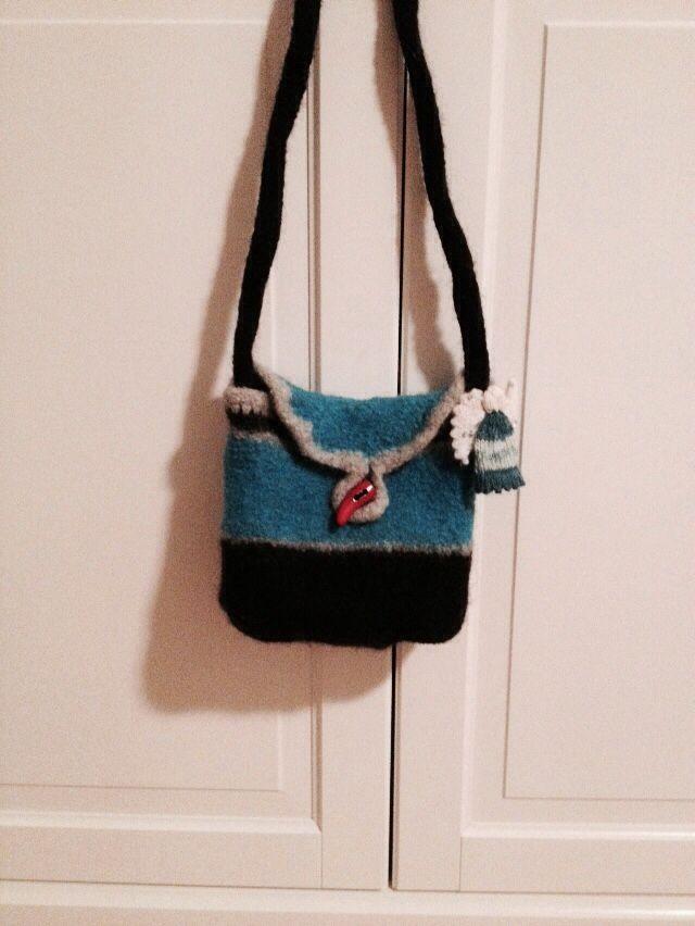 Stickad och tovad väska med skyddsängel | Väskor