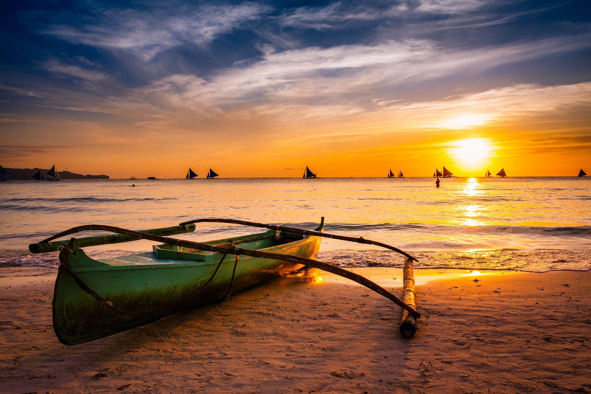 https://flic.kr/p/u6kYWr | Sunset at White Beach, Boracay, Philippines