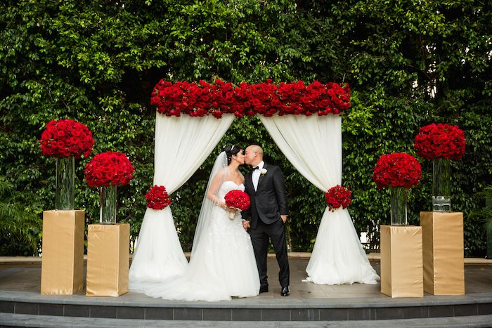 Romantic Wedding Filled with Red Roses and Gold Details ...