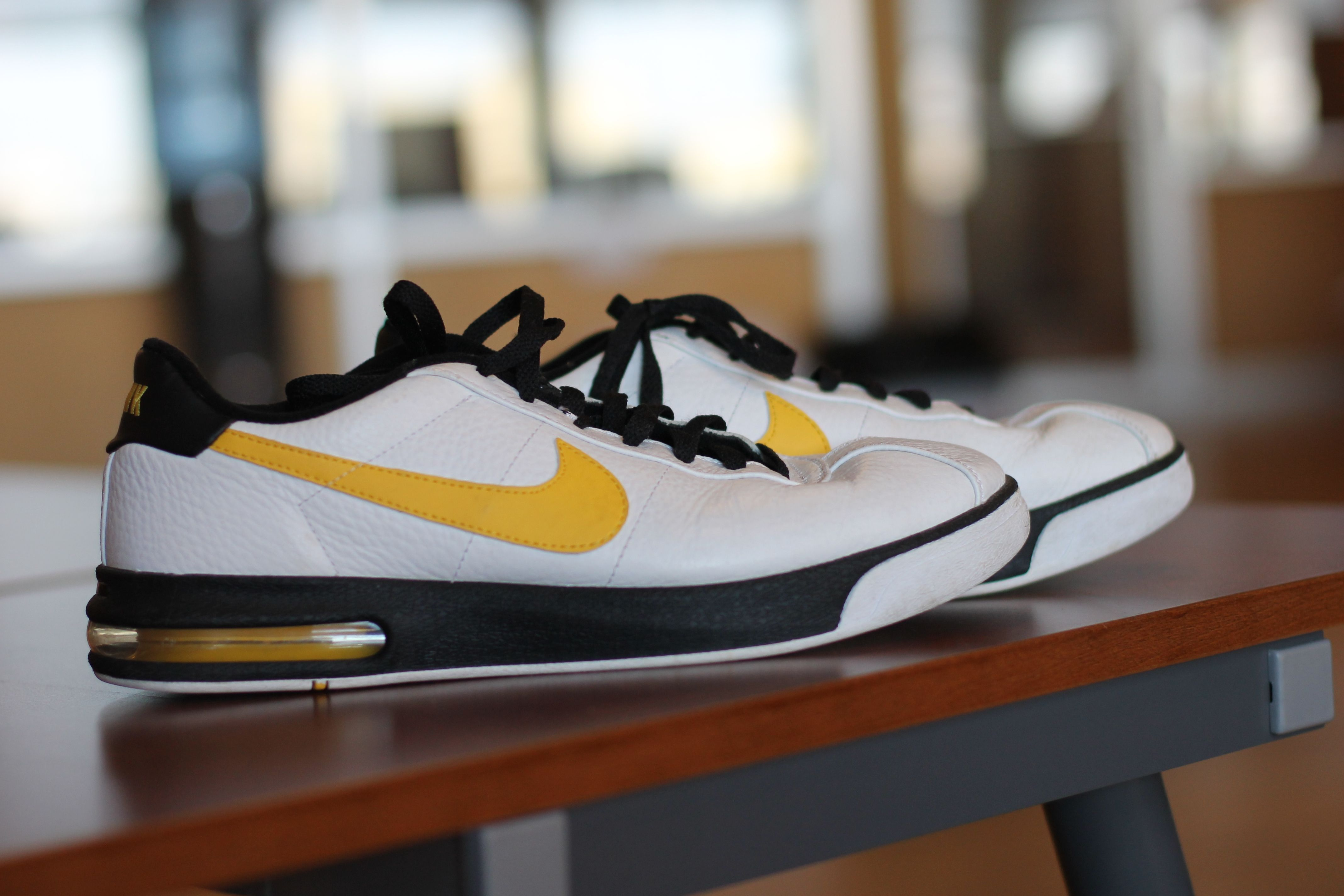 finest selection 33130 e923f Mens Nike Iowa Hawkeye Shoes