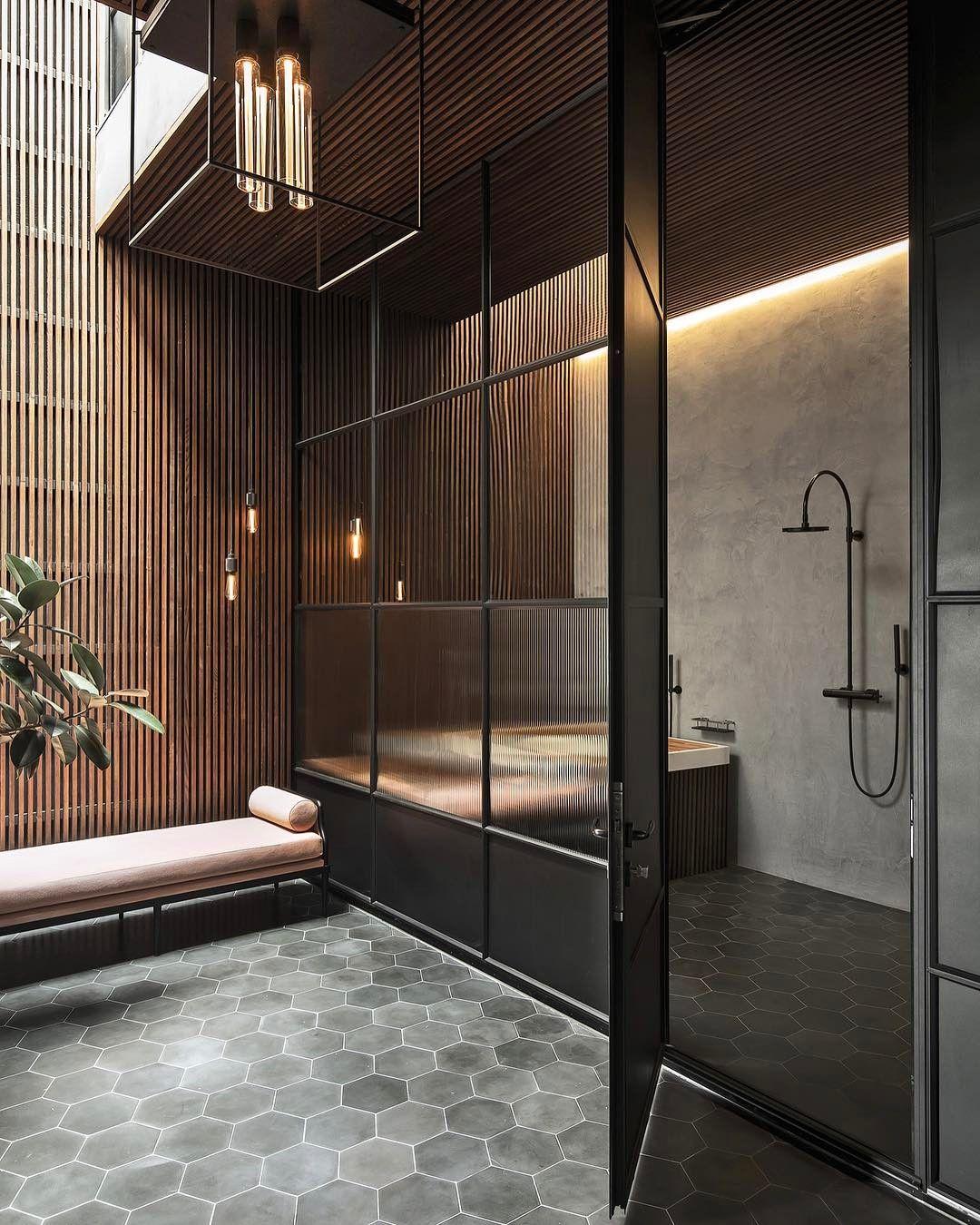 Badezimmer in Schwarz - Luxusgefühl und Stil im zeitgenössischen Bad ...