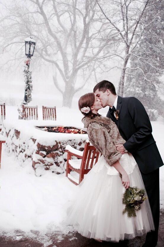 Abrigo perfecto para una boda en la nieve!