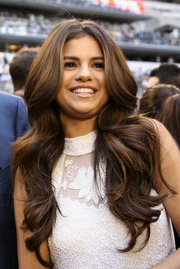Selena Gomezs Hair Lovee Hair Nails Makeup Pinterest