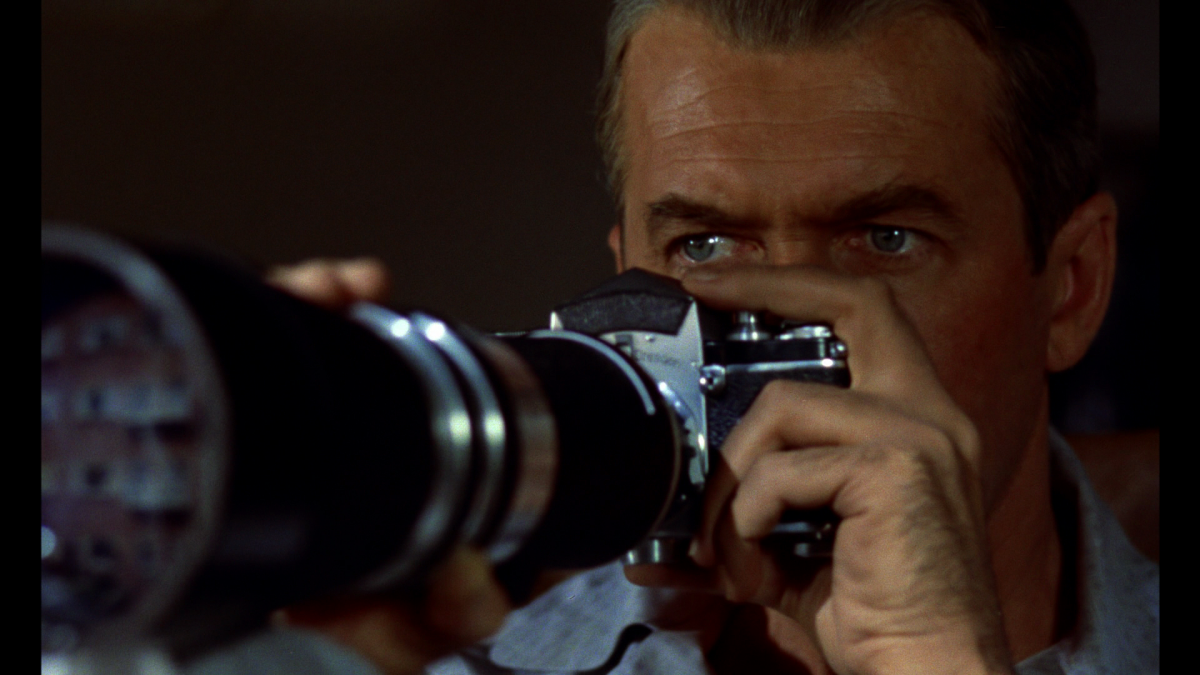 19 Iconic Filmmakers & the Focal Lengths & Lenses They Love to Use