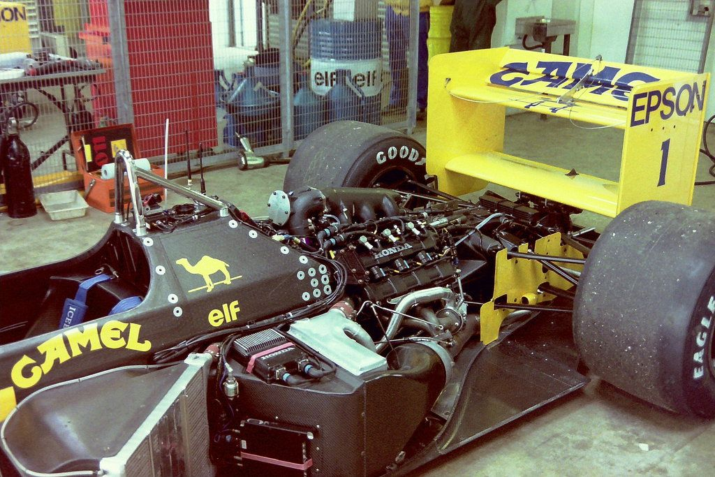 Nelson Piquet's) Lotus 100T - Honda RA168-E 1.5 V6 (t/c - 2.5 Bar ...
