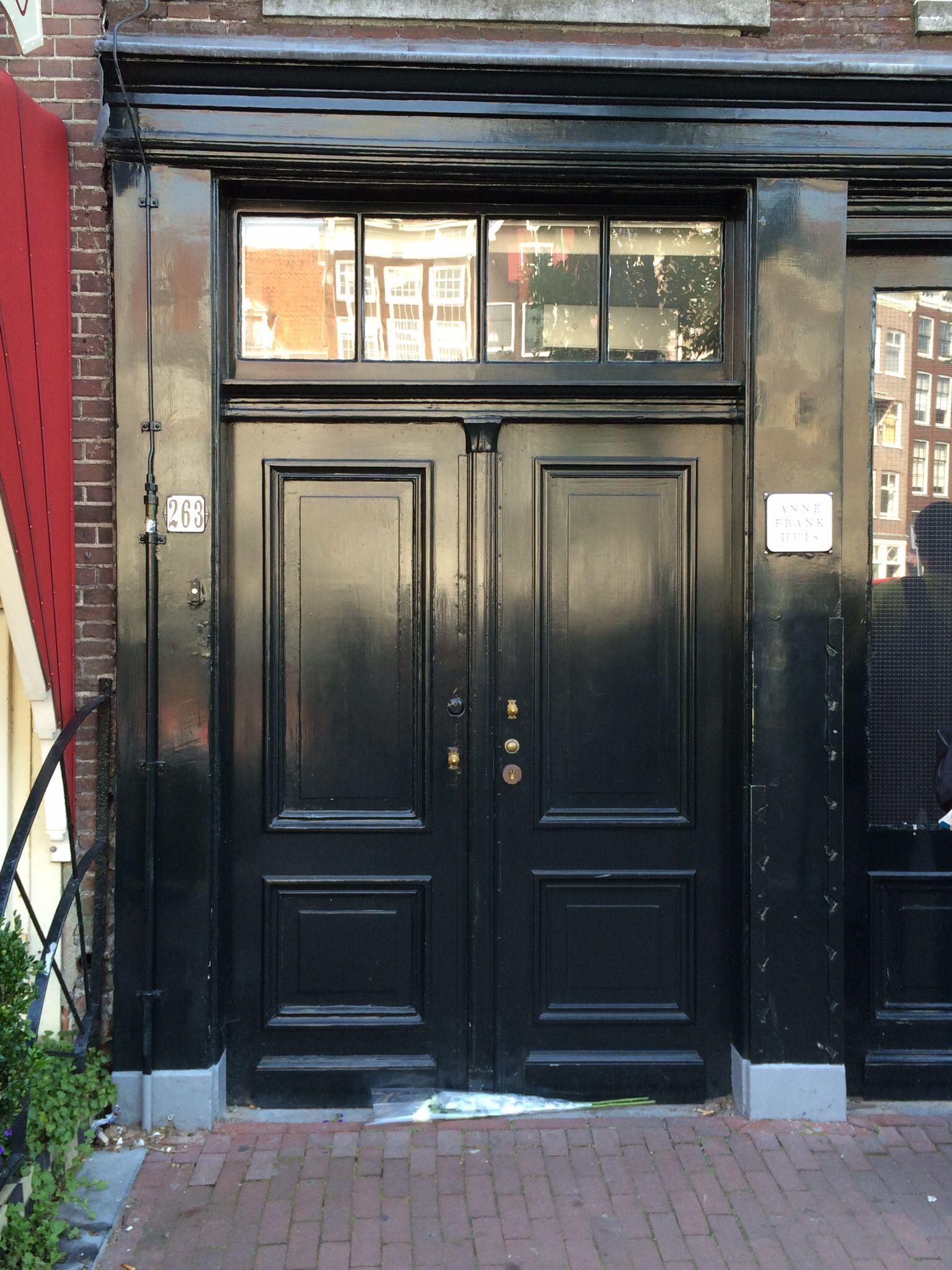 Anne frank & Front door of Anne Frank House on 263 Prinsengracht #netherlands ...