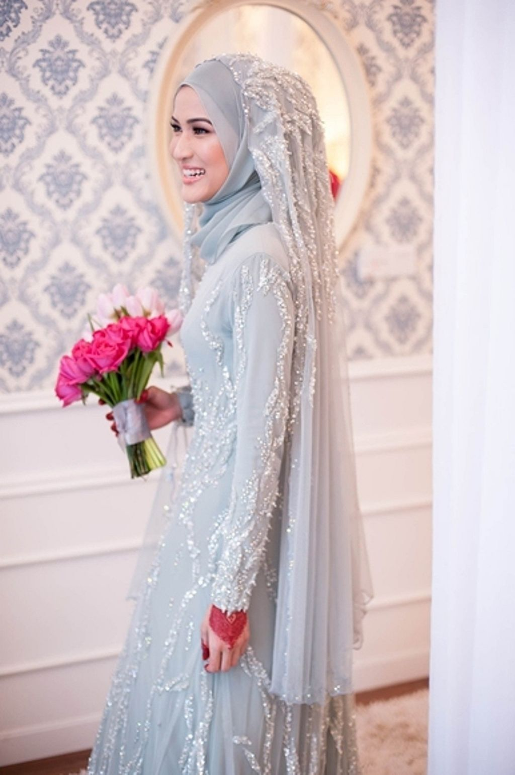 Tips For Looking Your Best On Your Wedding Day Luxebc Muslimah Wedding Dress Muslim Wedding Dresses Nikah Dress [ 1539 x 1024 Pixel ]