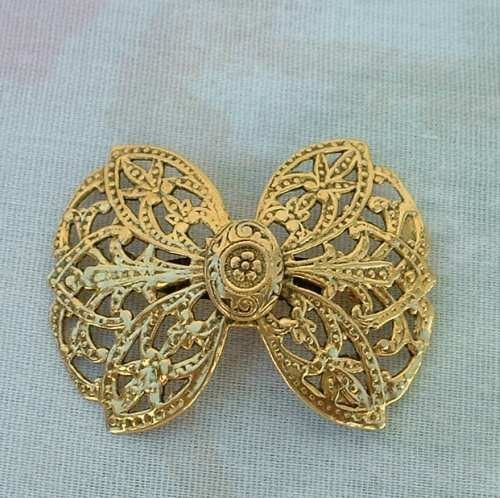 FREIRICH Openwork Goldtone Bow Brooch Pin Vintage Jewelry