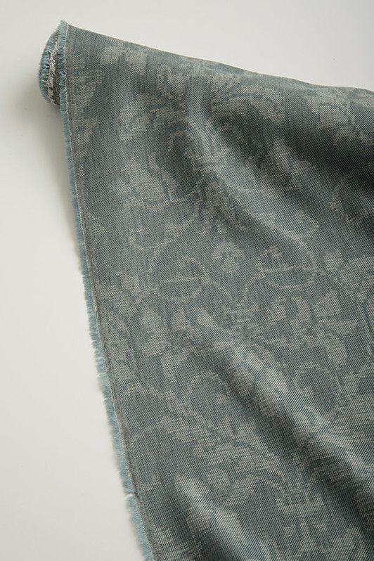 turandot / 2048-05 / silvery blue