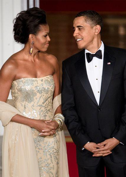 Bevor wir uns verabschieden: 31 von Michelle Obamas besten Frisuren   – 2009 Michelle Obama Best Style Moments