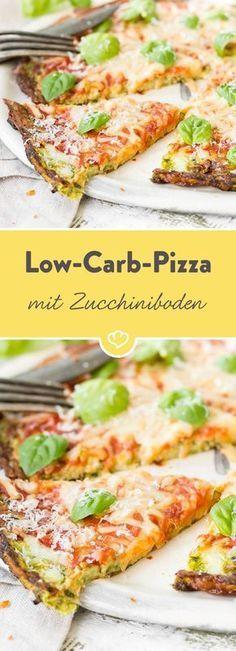 Low Carb Pizza mit Zucchiniboden  - Rezepte -