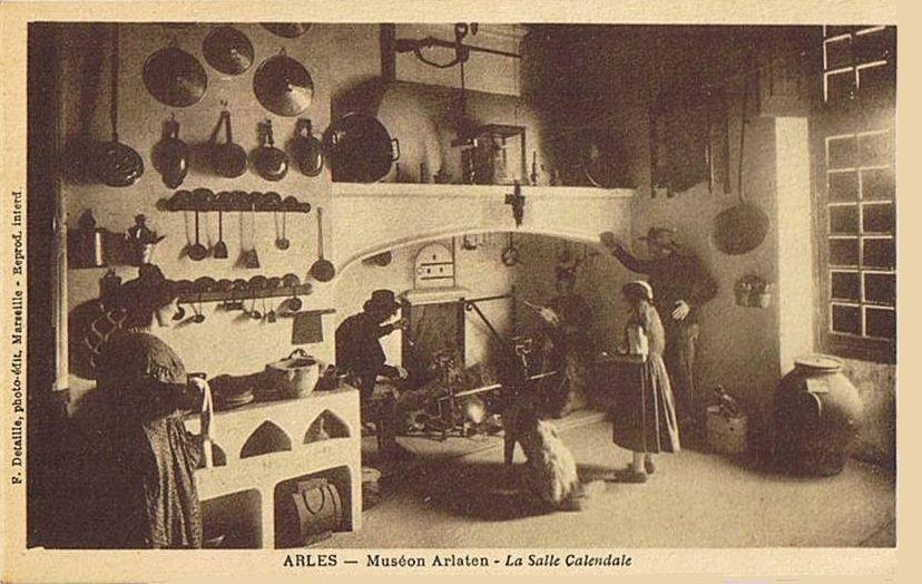 Salle calendale Muséon Arlaten.jpg