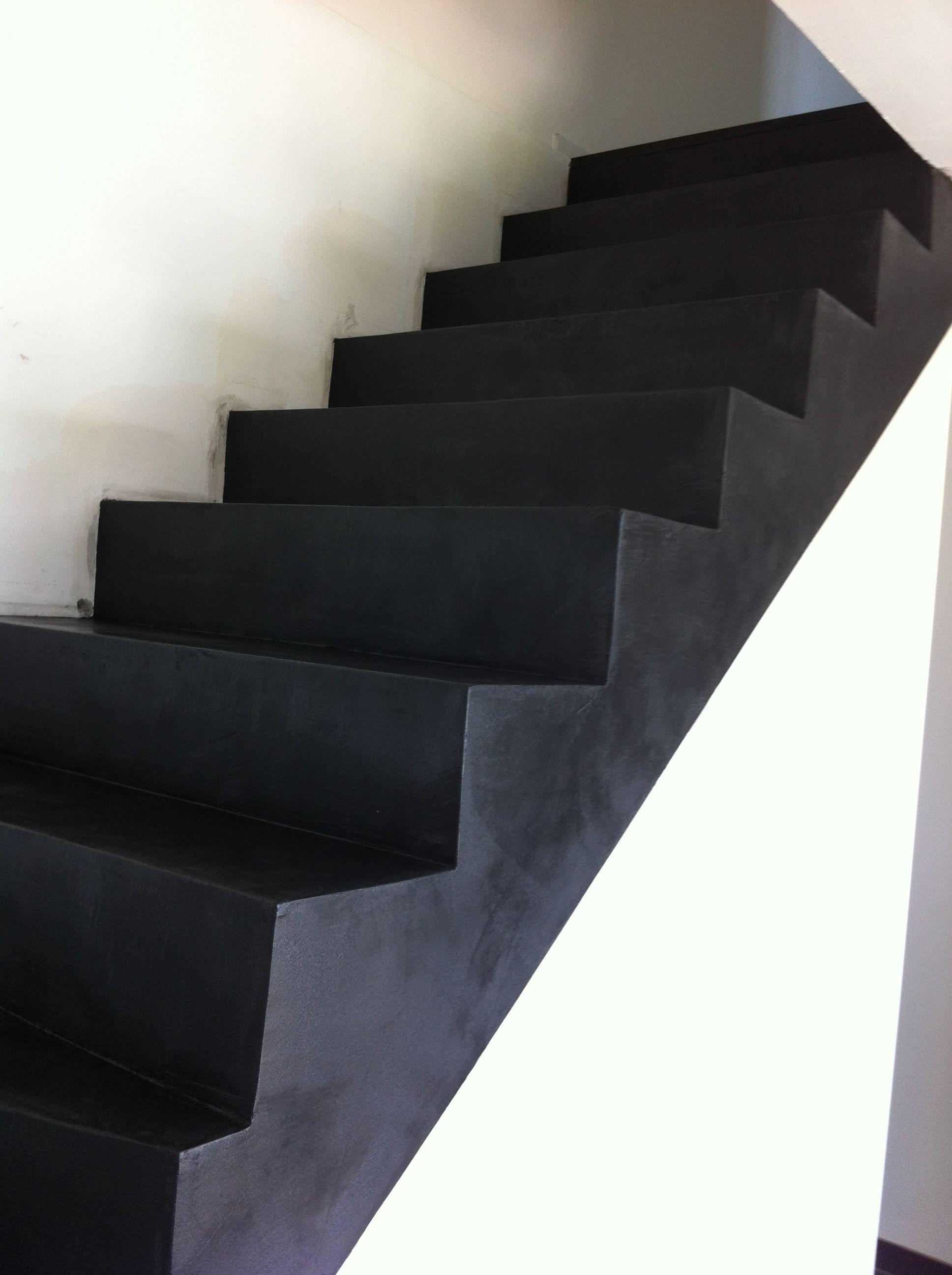 Escalier En Beton Cire Noir Artec Mineraldesign Com Trap Ideeen Staircase Trappen
