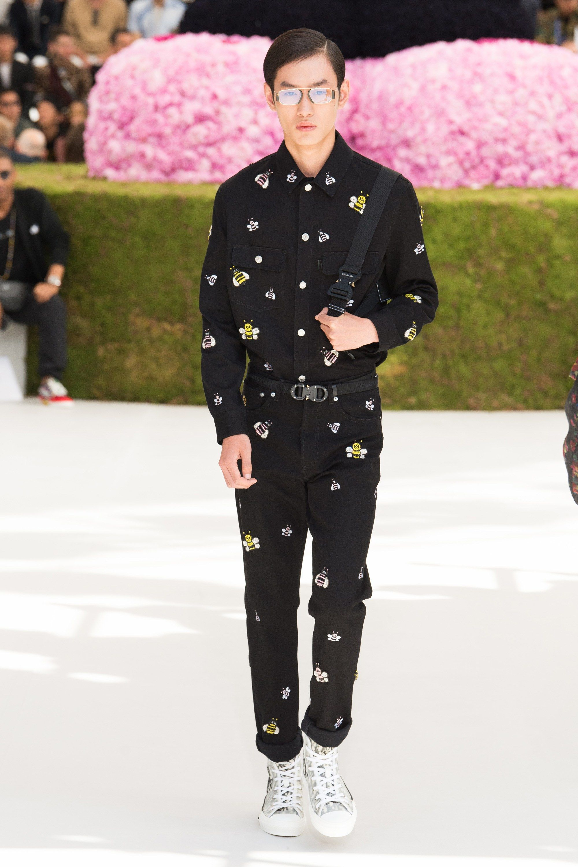 c38634493c64 Living a Beautiful Life ~ Cute. Young. Restless. Fashionable. Dior Homme  Spring 2019 Menswear Paris Collection - Vogue
