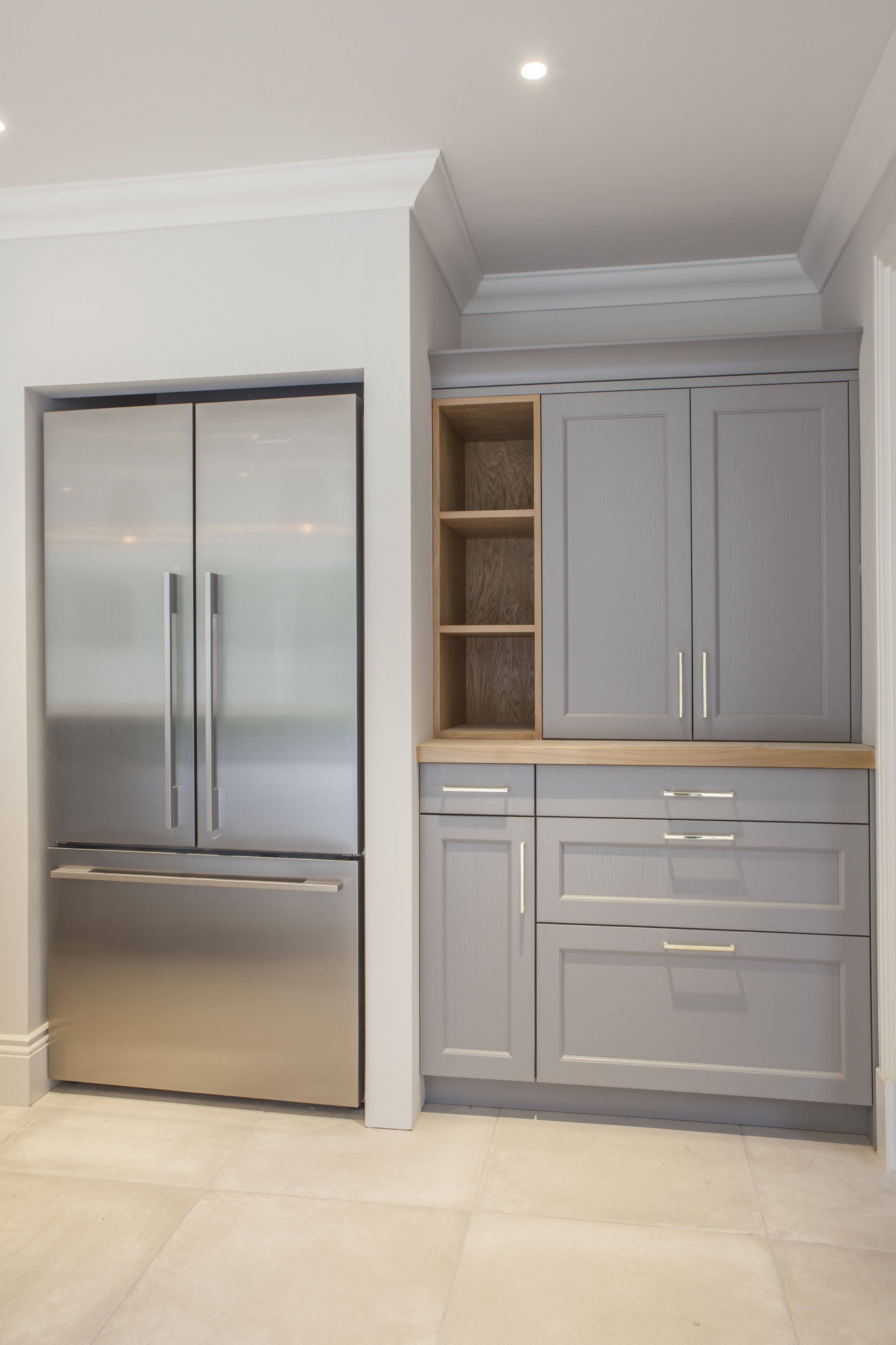 This Pearl Grey shaker kitchen with light oak and composite worktop ...