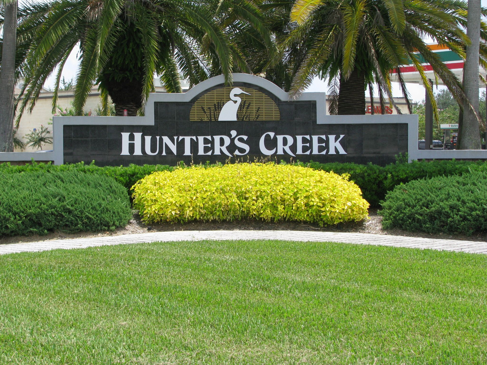 My Kingdom To Find An Affordable Place To Rent In Hunters Creek   Love This  Part