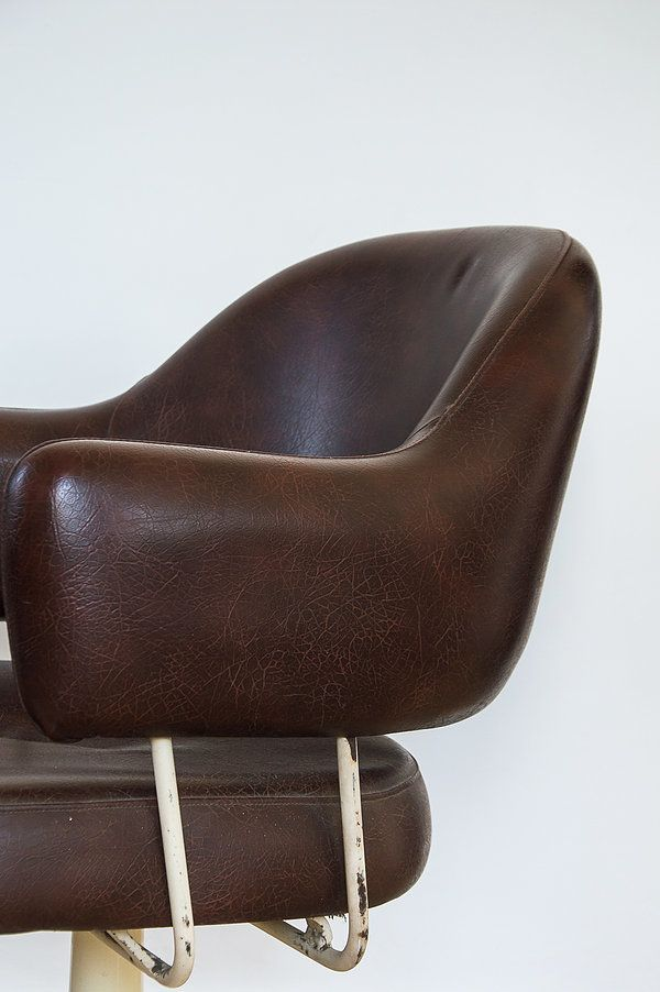 les 25 meilleures id es de la cat gorie fauteuil bureau cuir sur pinterest chaises de bureau. Black Bedroom Furniture Sets. Home Design Ideas