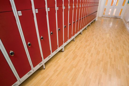 Altro Ethos installed in an educational setting. - www.altro.com