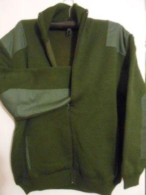 Zelený svetr podšitý fleecem vel. XXL,3XL,4XL - Zelený silný svetr podšitý fleecem,celý na zip,dá se říct bunda,70% bavlna,30% akryl,2x kapsa,ramena a lokte zpevněny pevnou látkou,vel.XXL šířka 67/134cm,délka 80cm,vel.3XL šířka 69/138cm,délka 81cm,vel.4XL šířka 73/146cm celý obvod,délka 83cm,vhodný do přechodného období,kdy na svetr je zima a teplá bunda není potřeba,při zakoupení napište velikost,platit můžete přes payu nebo dobírkou,koukněte i na mé další…