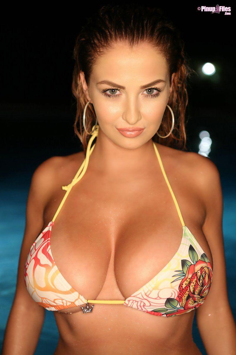 bikini babe fuck