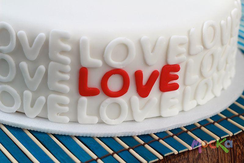 Que mejor que razón para regalar un #ponque.  www.mocka.co  #pastel #love #cakeshop #pudin #torta #pasteleria #amor