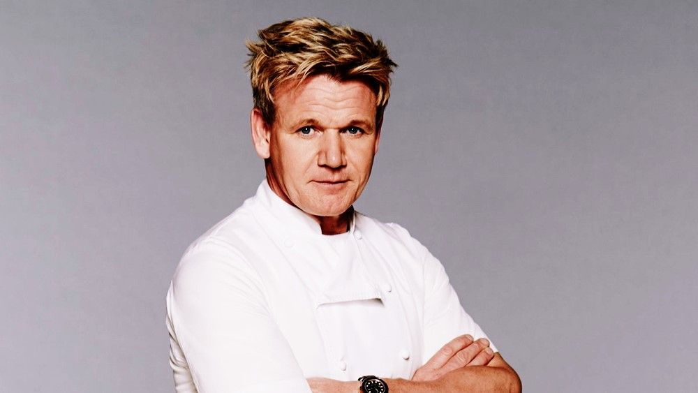 How Much Is Gordon Ramsay Net Worth In 2020 Celebrity Chefs Gordon Ramsay Cooking Dinner