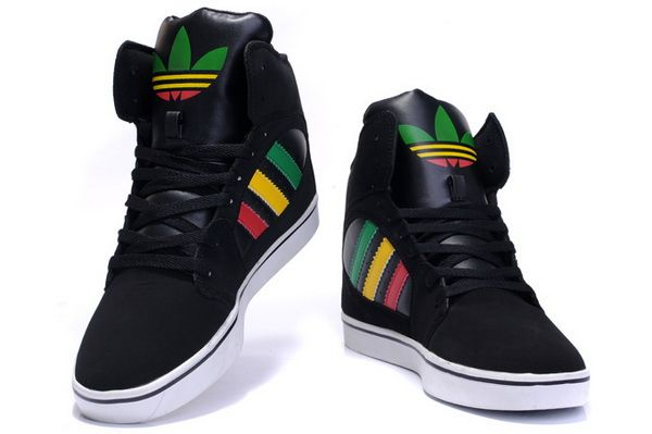 Pin en Casual Sporty Shoes