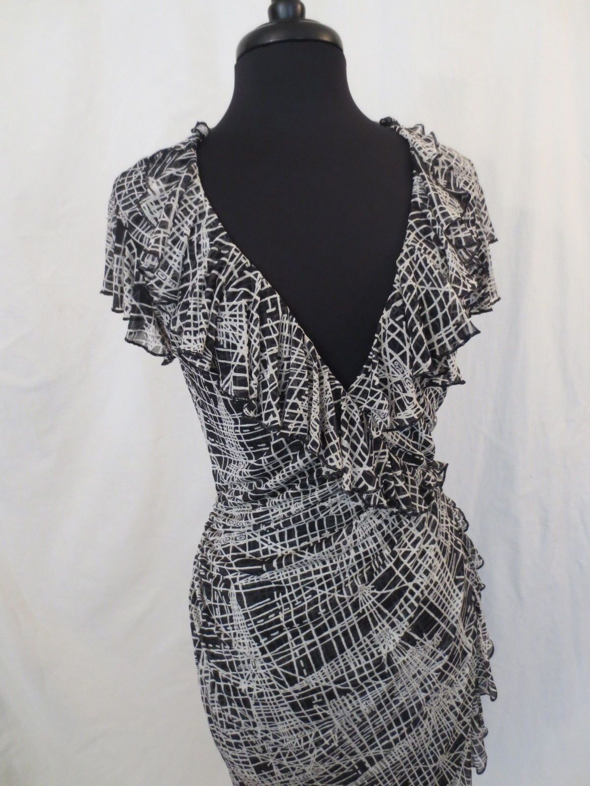 DIANE VON FURSTENBERG Paulette dress - $29.99 at JOHNNY BOMBSHELL #dvf #silk #wiggledress