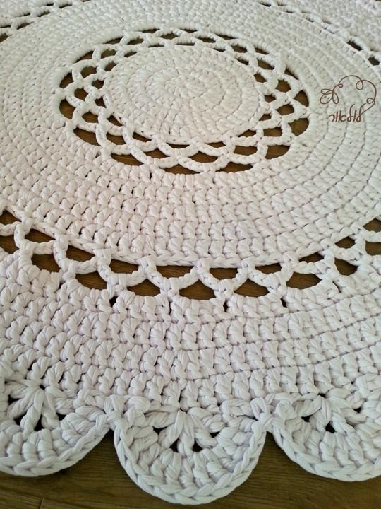 Pattern for Abigail rug, T-shirt yarn rug