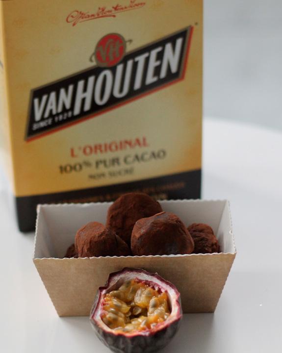 Truffes au chocolat au lait / fruit de la passion | Poire-Chocolat #truffesauchocolat