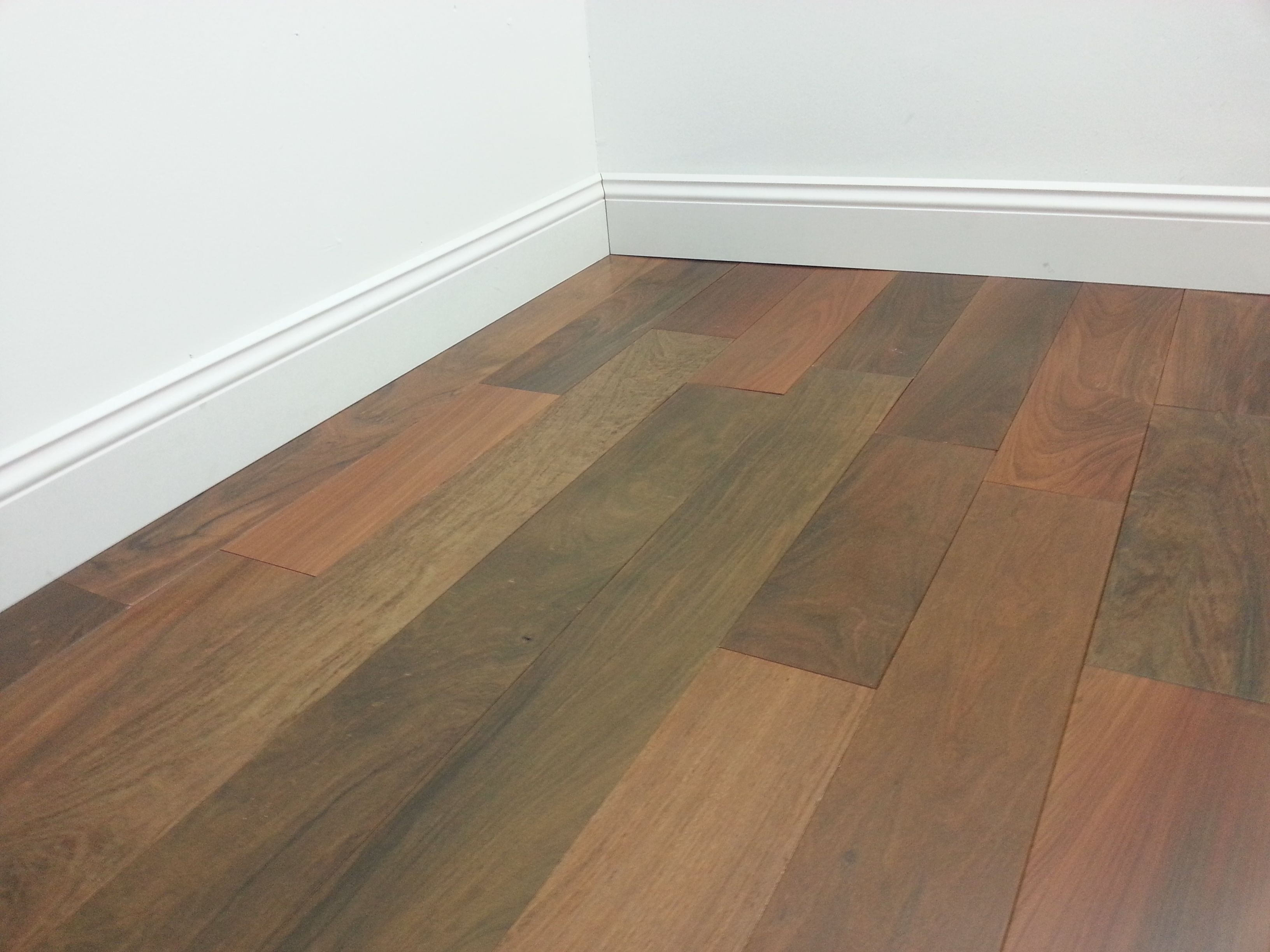 2 1 4 brazilian walnut pre finished solid hardwood for Hardwood flooring prefinished vs unfinished